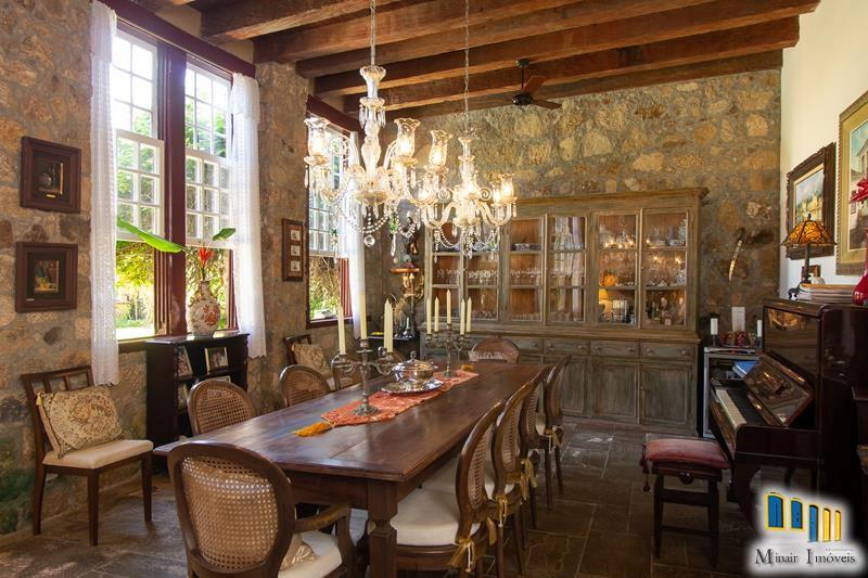 casa-a-venda-no-centro-historico-de-paraty (10)