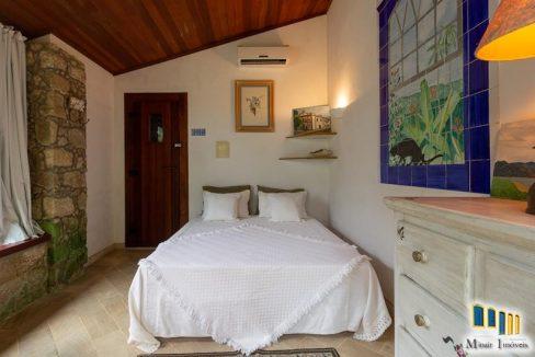 casa-a-venda-no-centro-historico-de-paraty (4)