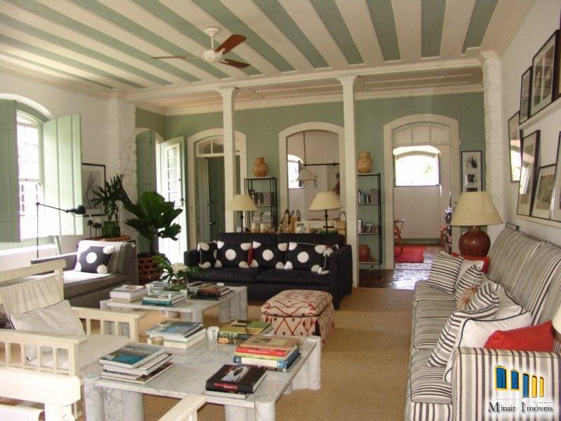 CH 13 – Casa a venda no Centro Histórico de Paraty
