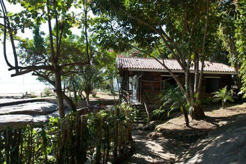paraty-rj-ilha-aracatiba-robson-marinho-foto-adriano-escanhuela-2011-104-C¦pia