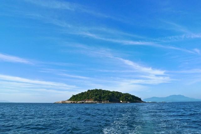 paraty-rj-ilha-aracatiba-robson-marinho-foto-adriano-escanhuela-2011-16-C¦pia