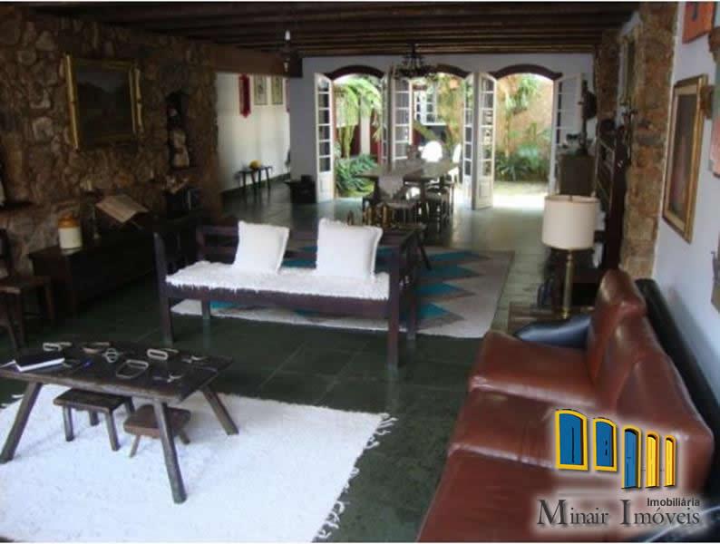 CH 14 – Casa  a venda Centro Histórico de Paraty com 05 quartos