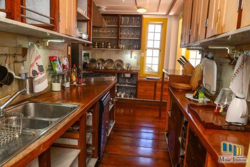 casa a venda no centro historico de paraty (27)