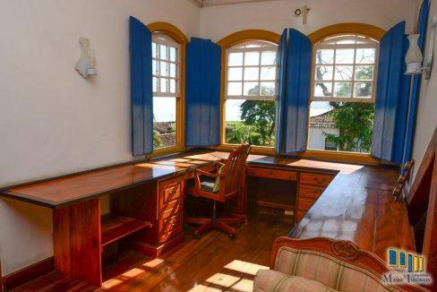 casa a venda no centro historico de paraty (36)