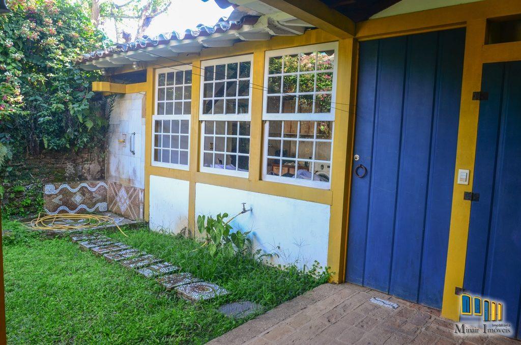 casa a venda no centro historico de paraty (8)