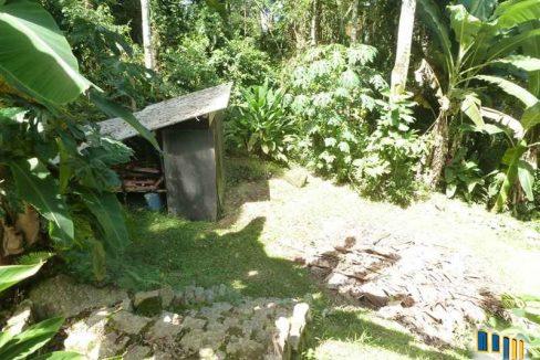 terreno a venda em paraty na localidade da praia grande com uma charmosa casa de pau a pique (13)