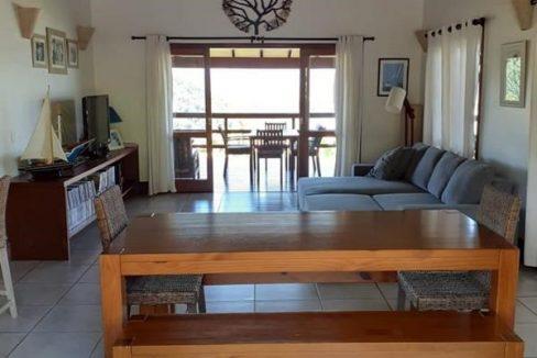 casa-a-venda-em-condominio-na-localidade-da-praia-grande (5)