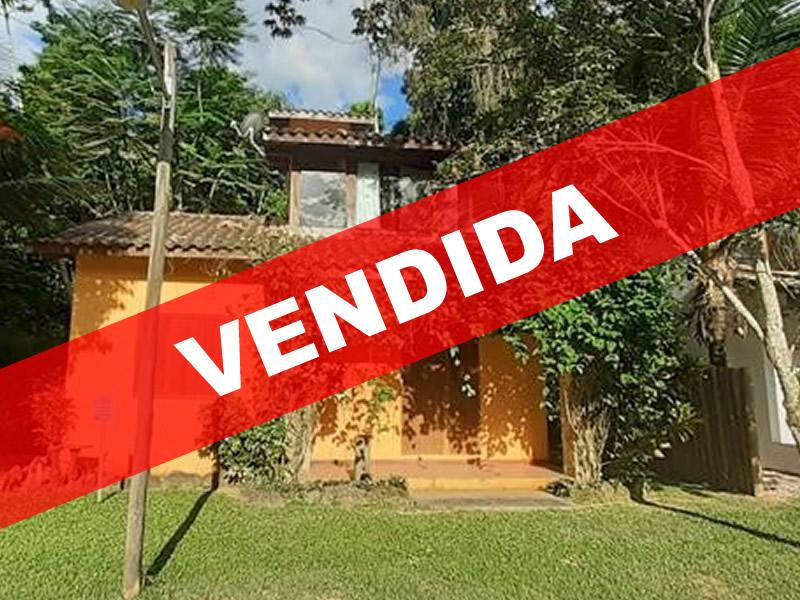 PCH 138 – Casa a venda em Paraty as margens Rio Perequê-Açú