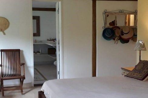 casa-a-venda-no-condominio-laranjeiras-em-paraty (15)