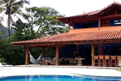 casa-a-venda-no-condominio-laranjeiras-em-paraty (5)