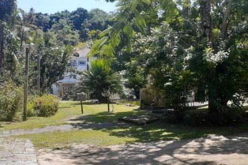 casa-a-venda-no-condominio-picolla-em-paraty (3)