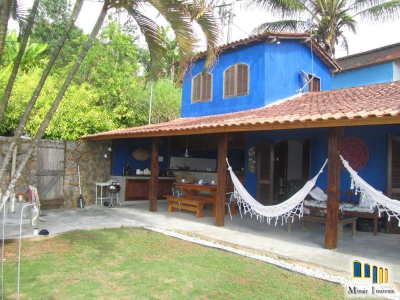 PCH 159 – Charmosa casa a venda em Paraty vista para o mar